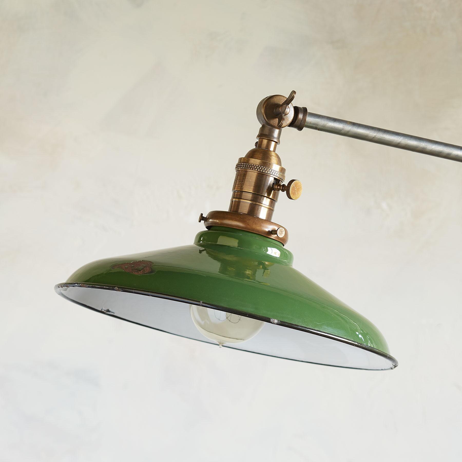 LONE STAR FLOOR LAMP: View 2