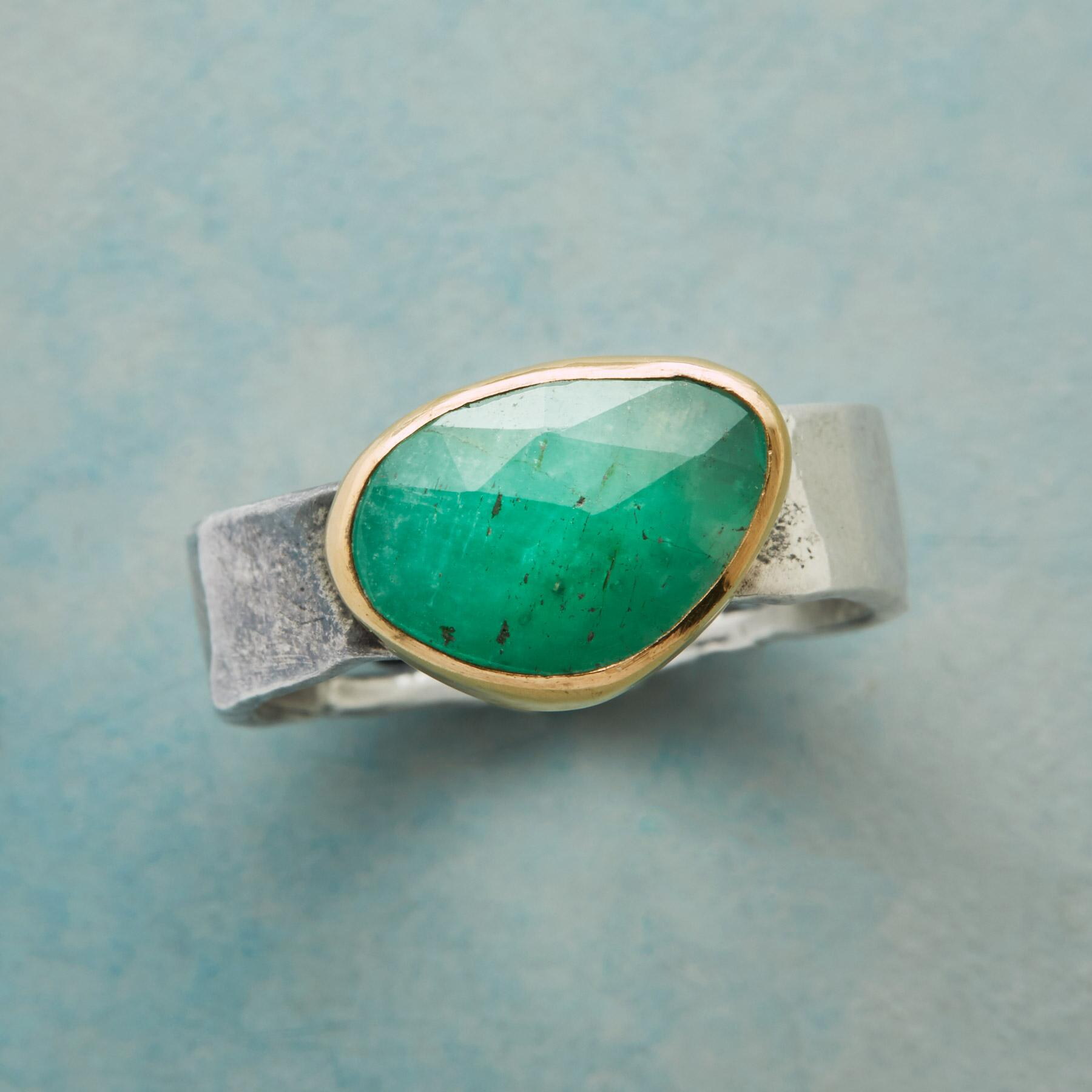 EMERALD ESSENCE RING: View 1