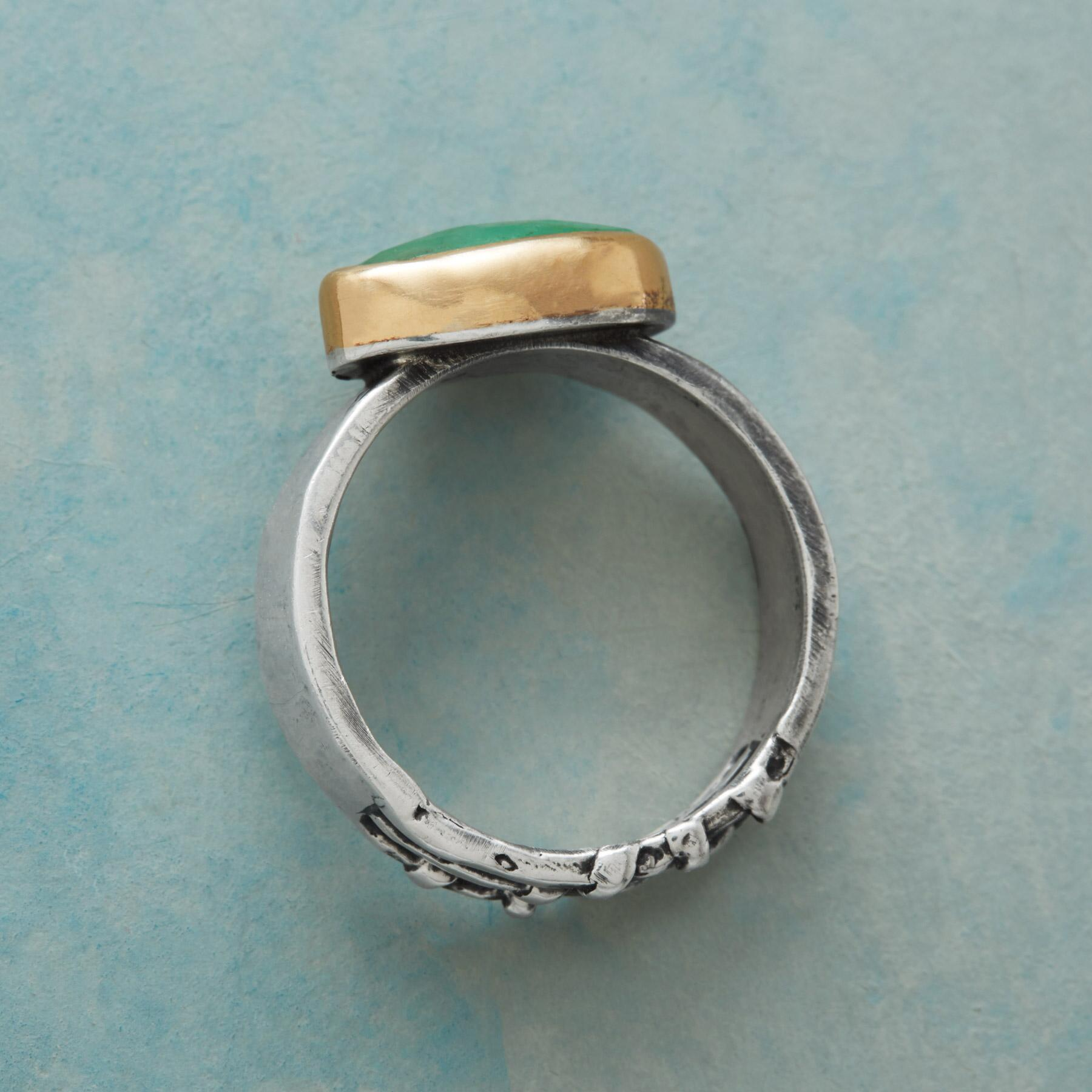 EMERALD ESSENCE RING: View 3
