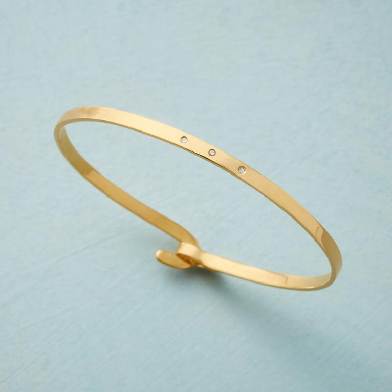 THREE SPARKS BANGLE
