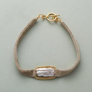 GOLDEN SHORES PEARL BRACELET