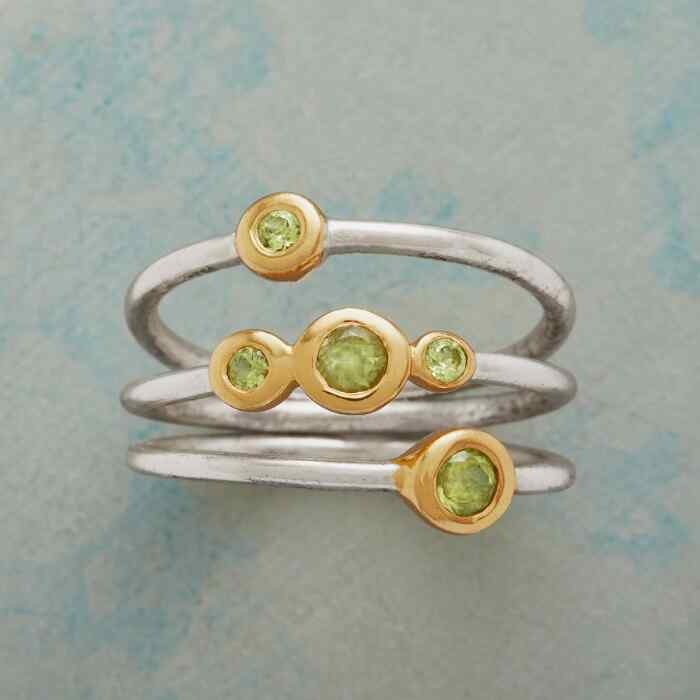 DOT DOT PERIDOT RING TRIO