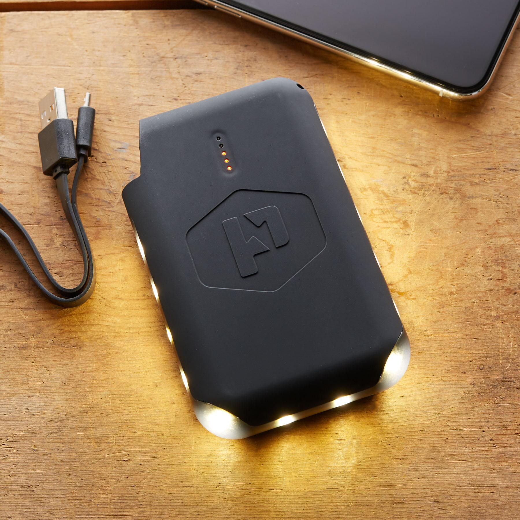 BATTERY PACK & LANTERN IN ONE: View 2