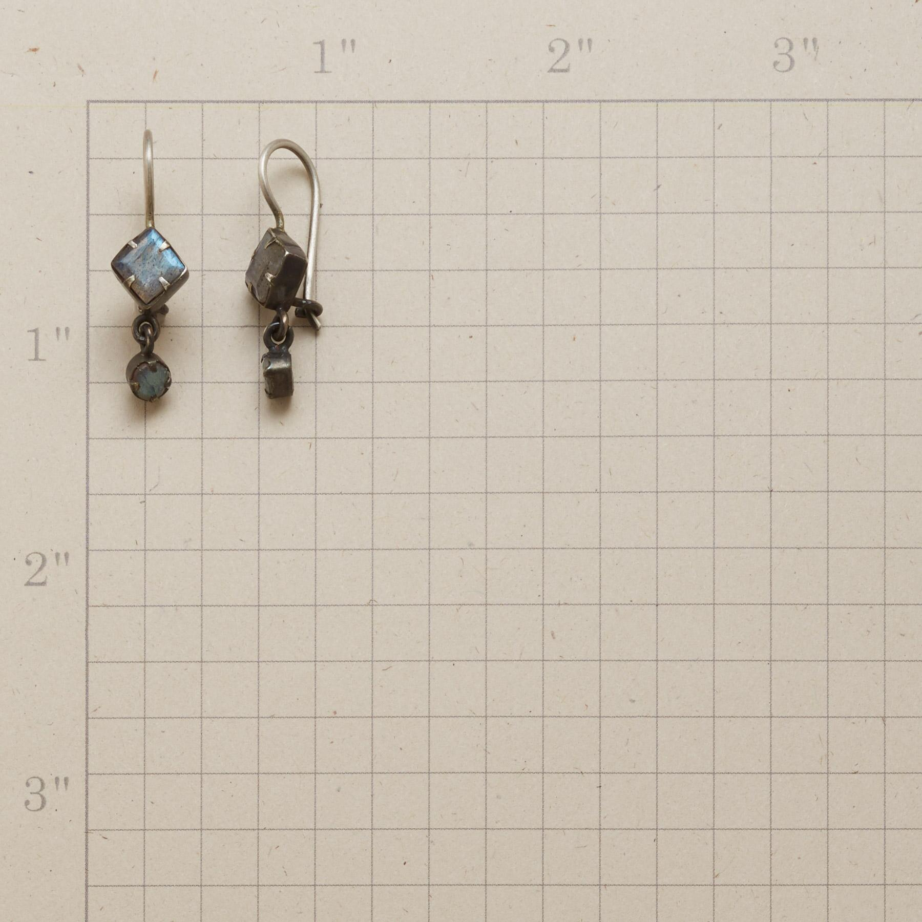 ELEGANT ECHO EARRINGS: View 2