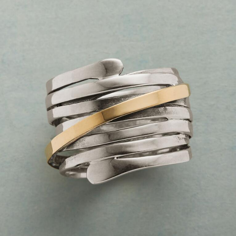 GOLD STREAK RING