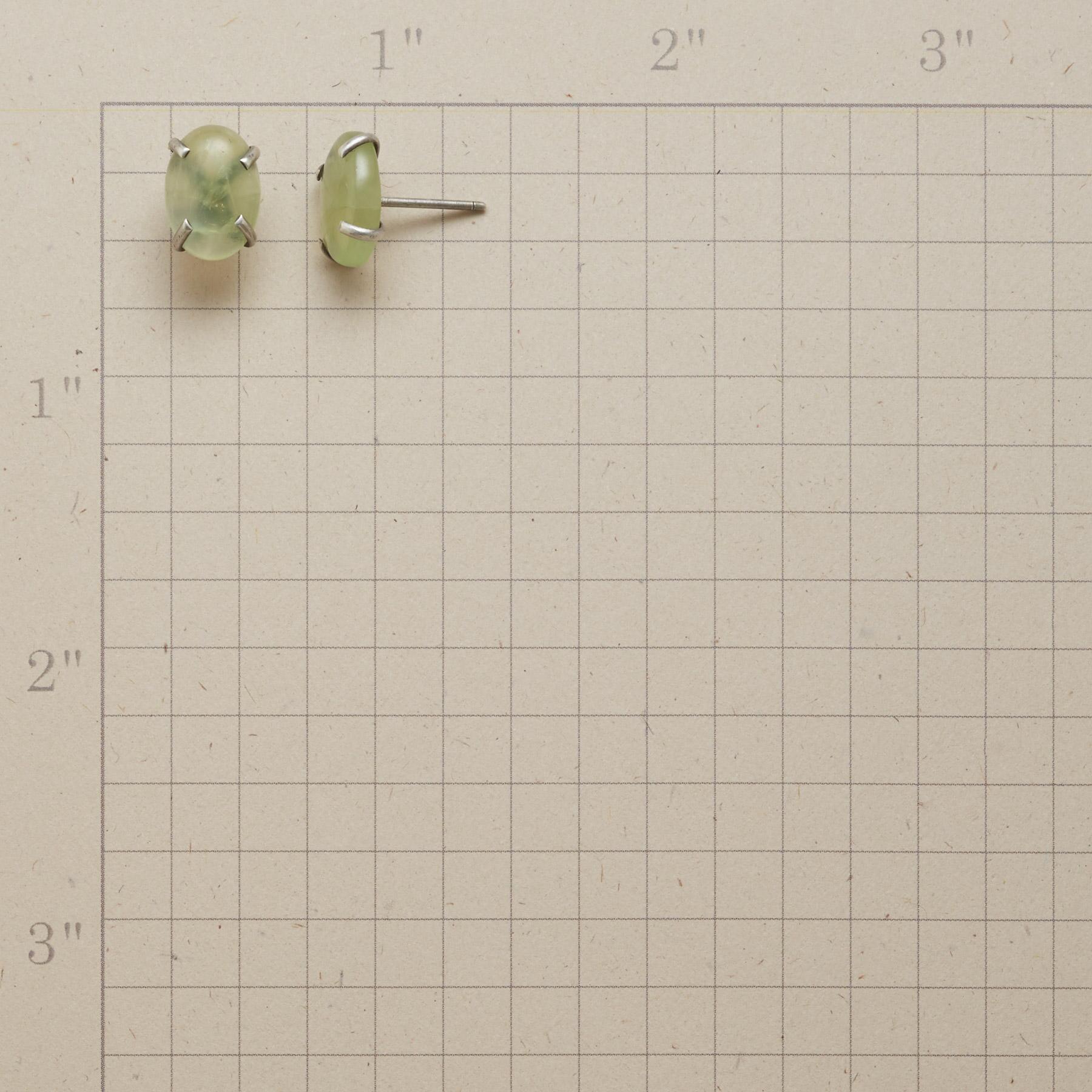 SIMPLICITY PREHNITE STUD EARRINGS: View 2