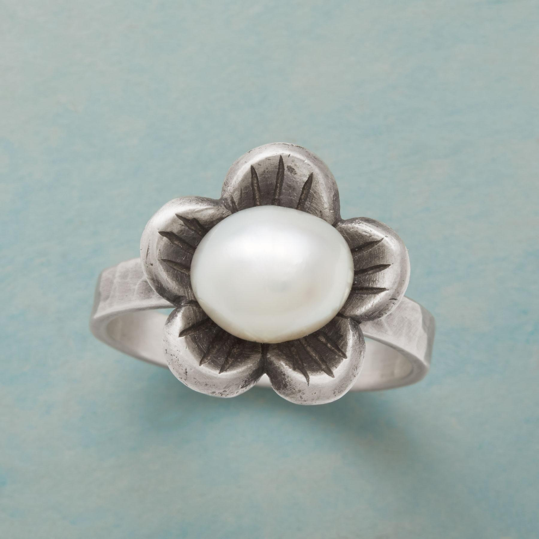 PEARL FLOWER RING: View 1