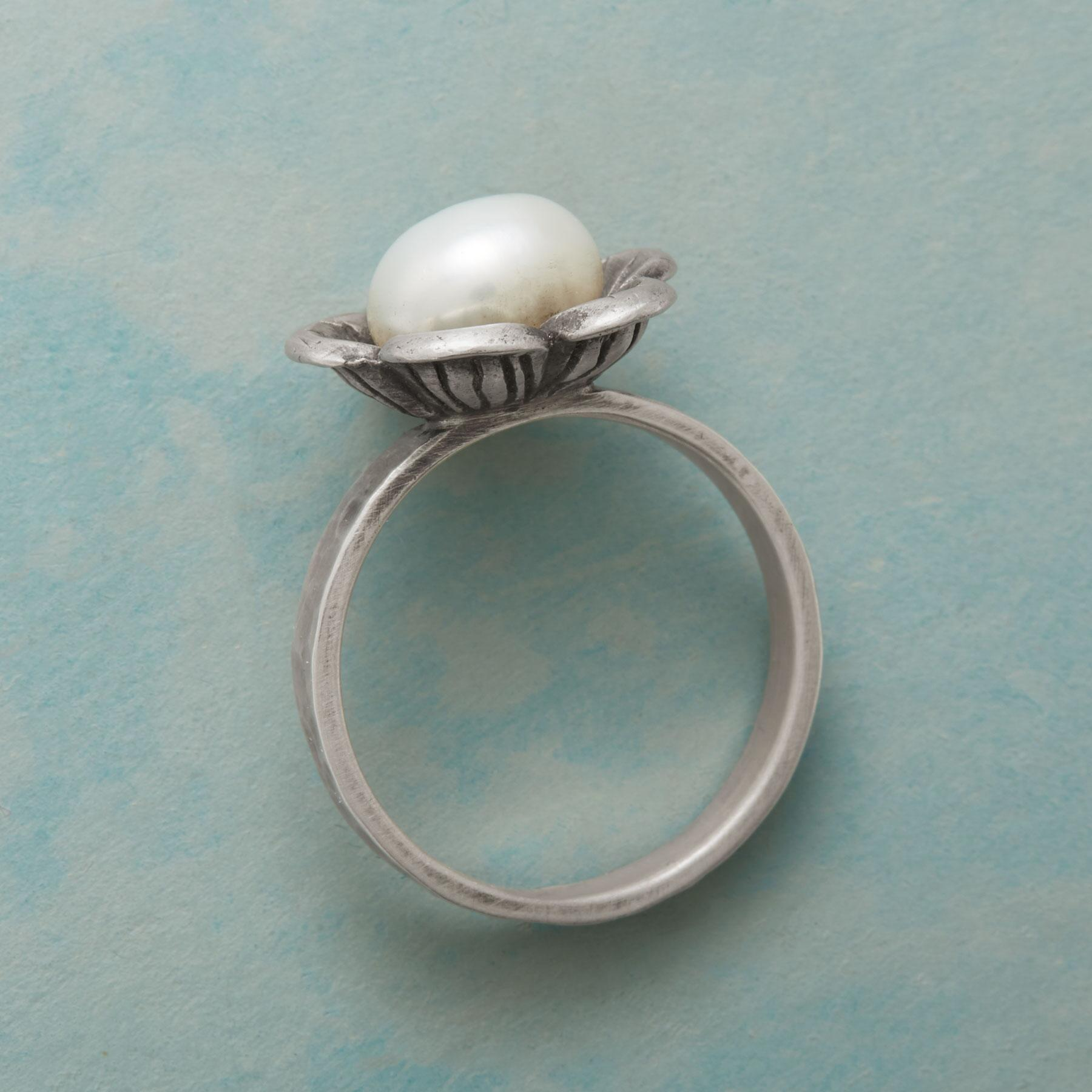 PEARL FLOWER RING: View 2