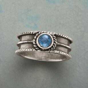 RIDGED AND ROPED RING