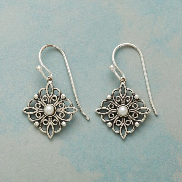 PEARLS AND LACE EARRINGS