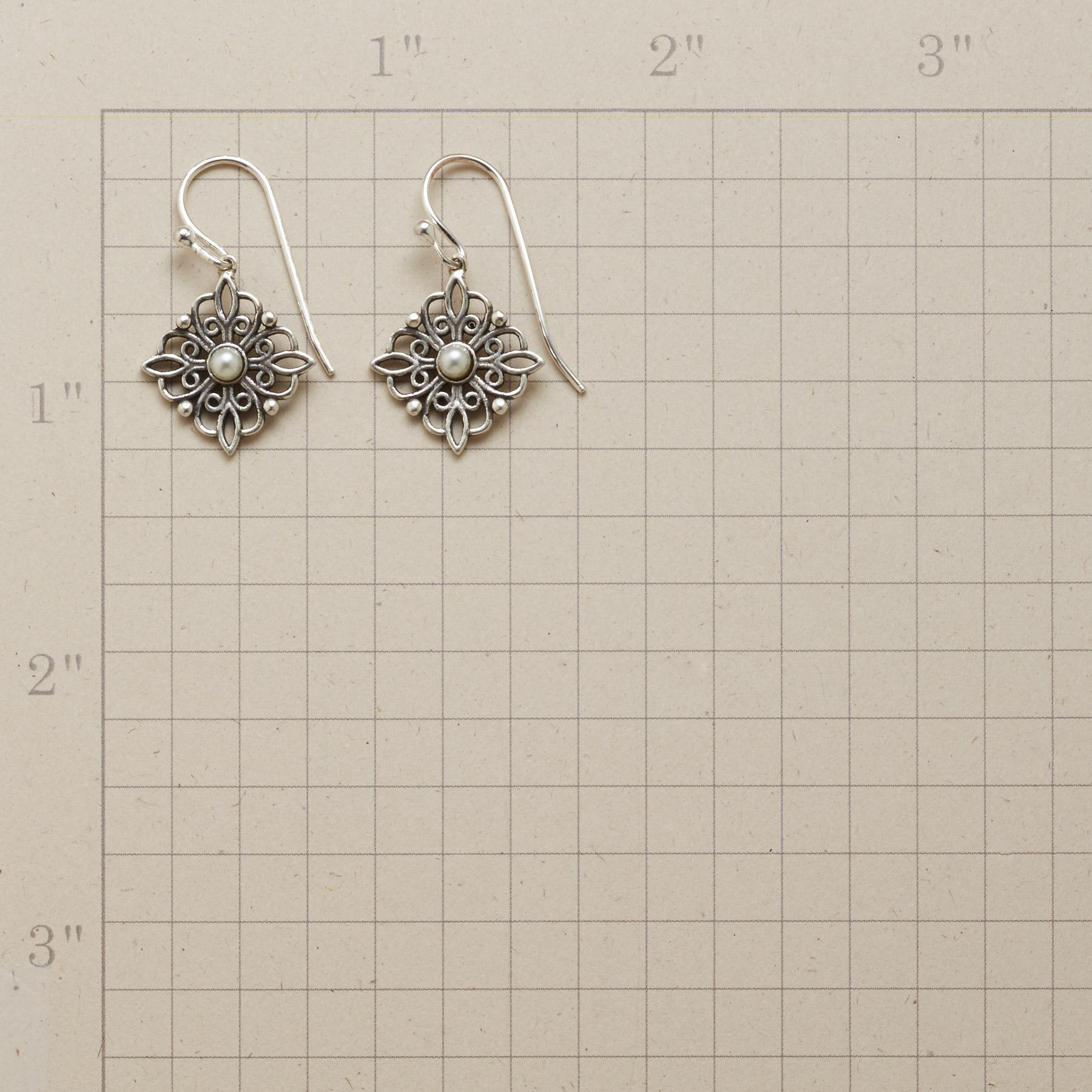 PEARLS AND LACE EARRINGS: View 2