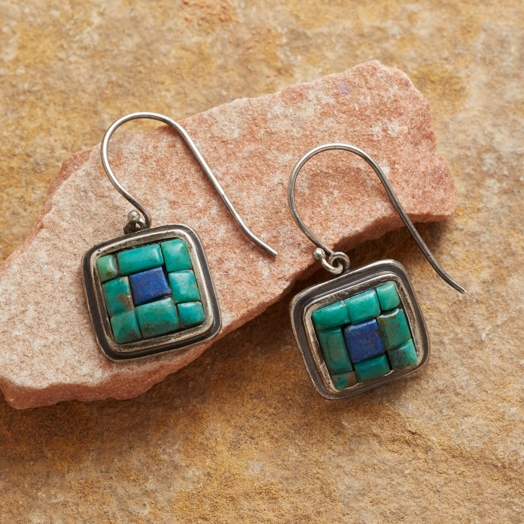 CENTRAL SQUARE EARRINGS: View 1