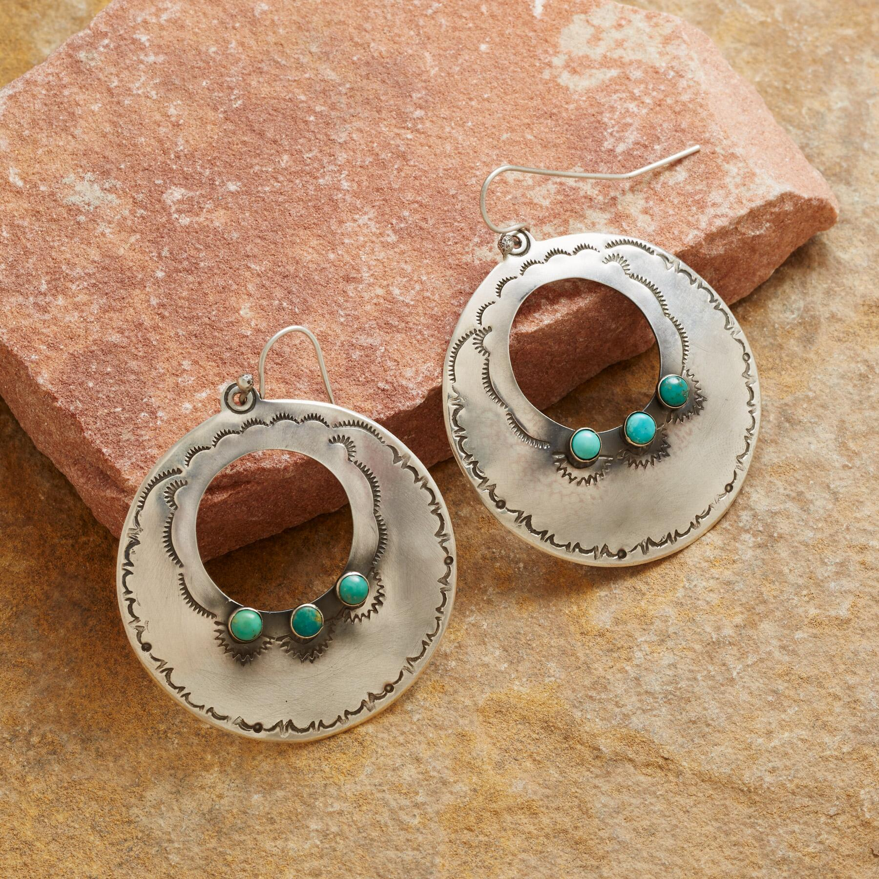 ESCALANTE HOOP EARRINGS: View 1