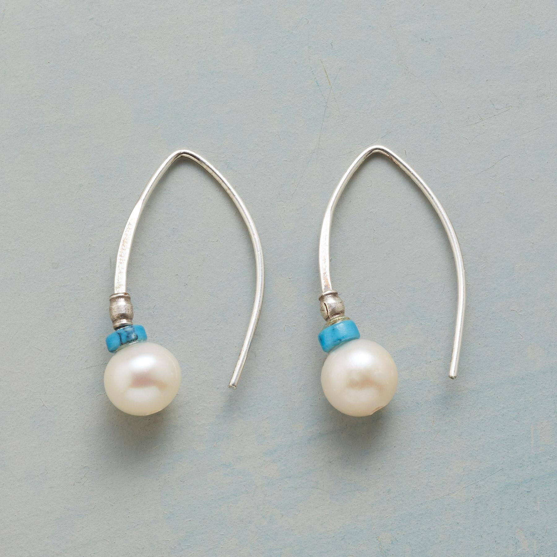 GLISSADE PEARL EARRINGS: View 1