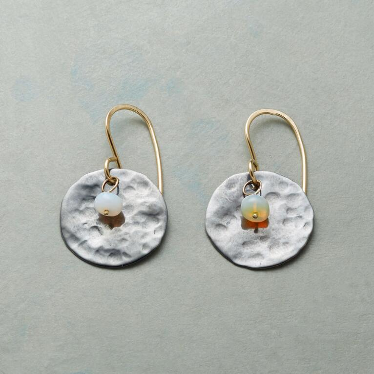 MOON MOMENT EARRINGS