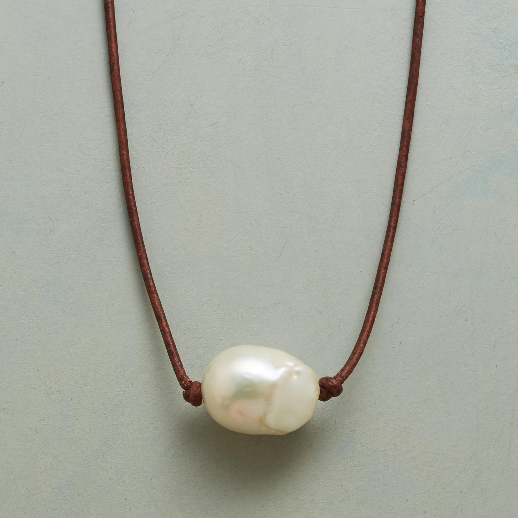 PERFECT PEARL CHOKER: View 1