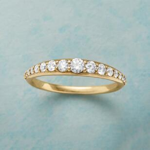 DIAMOND TIARA GOLD RING