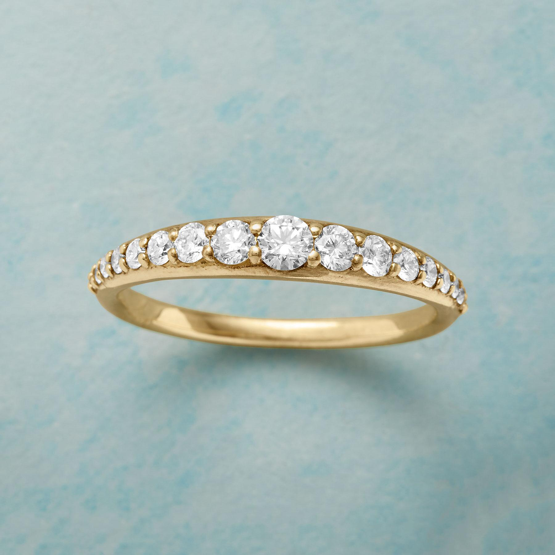 DIAMOND TIARA GOLD RING: View 1