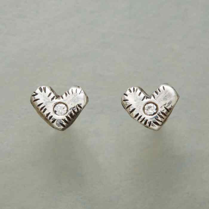 WINKING HEARTS EARRINGS