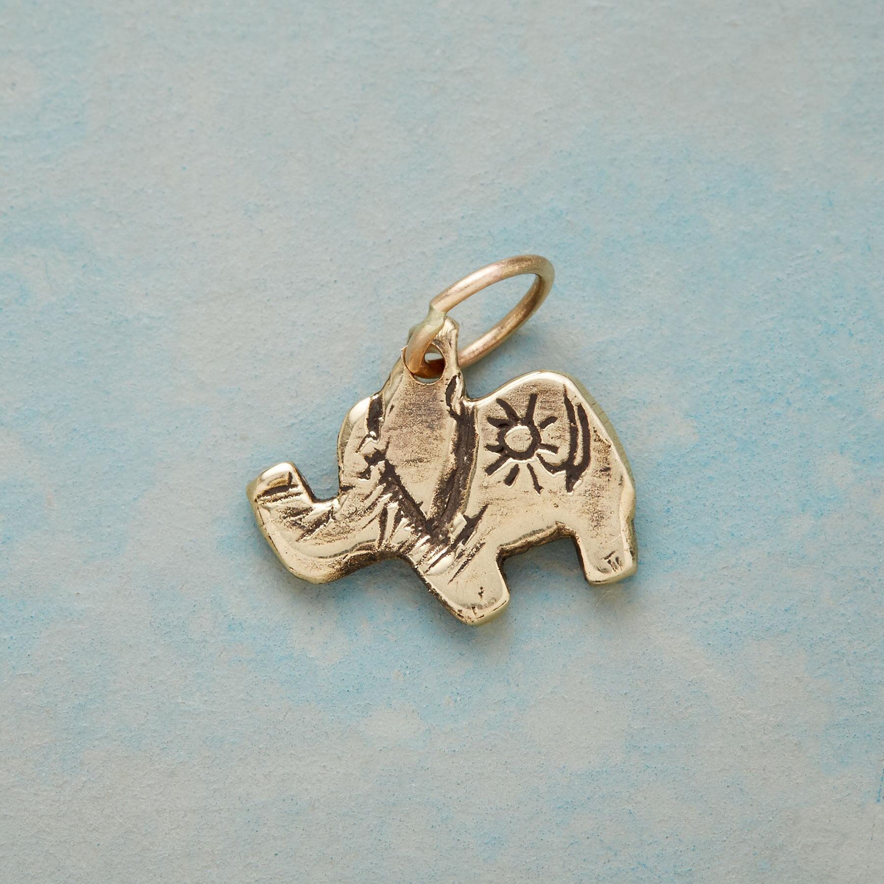 GOLD SWEET ELEPHANT CHARM: View 1