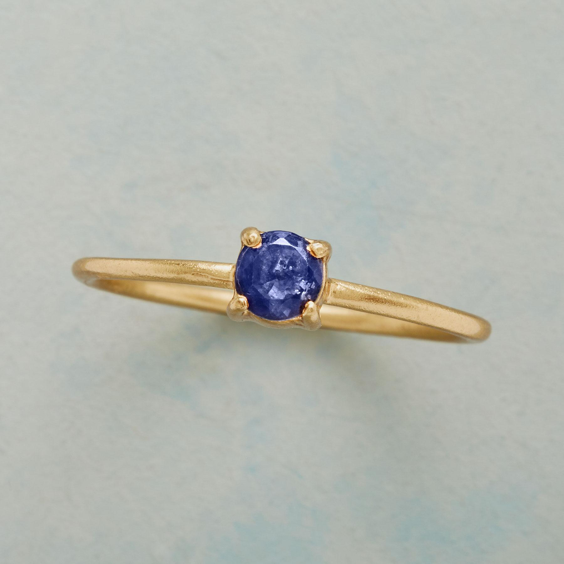SIMPLY IOLITE RING: View 1