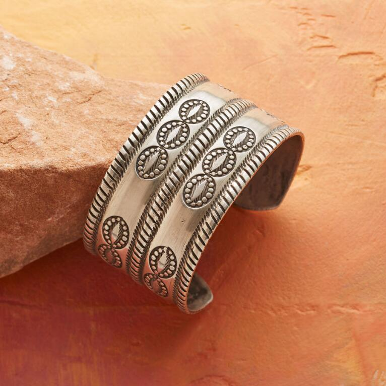 CLOUD DANCE CUFF