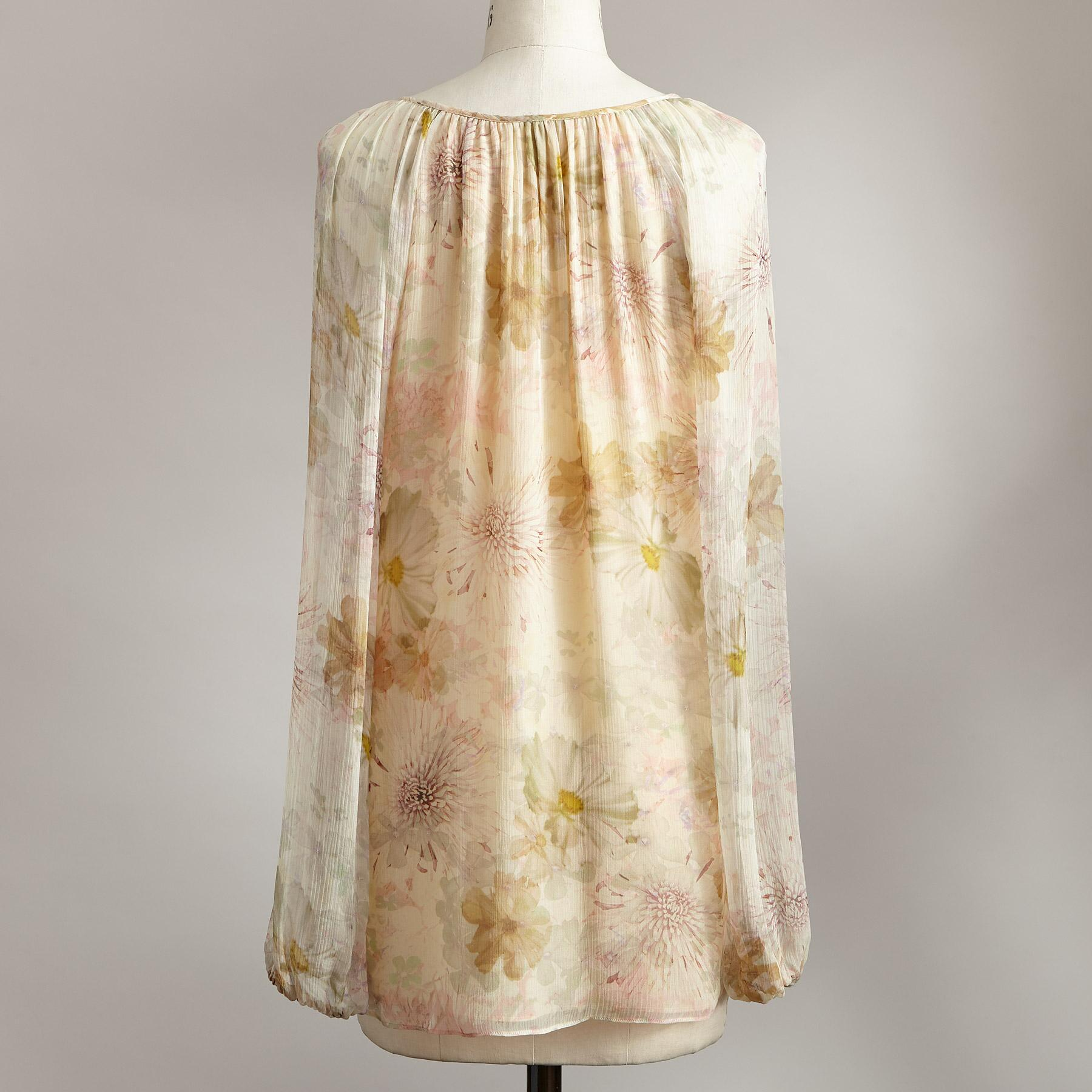 WISP OF FLORALS TOP: View 3