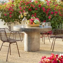 GRAVITAS CEMENT ROUND TABLE 5'