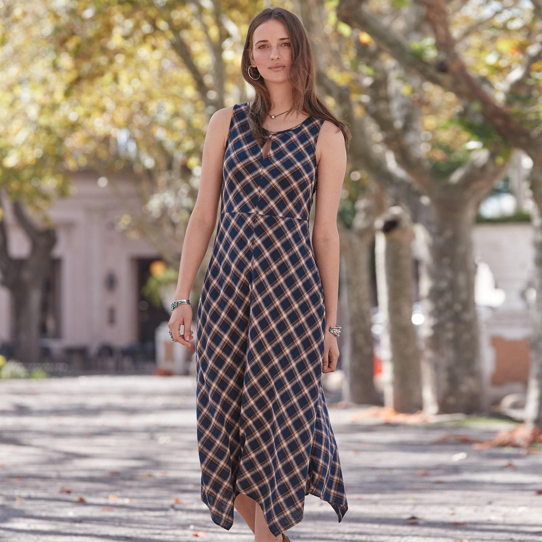 TOWN & COUNTRY DRESS: View 2
