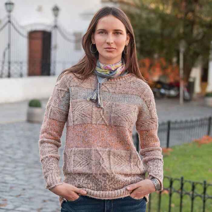 LYRA TRAVELS PULLOVER