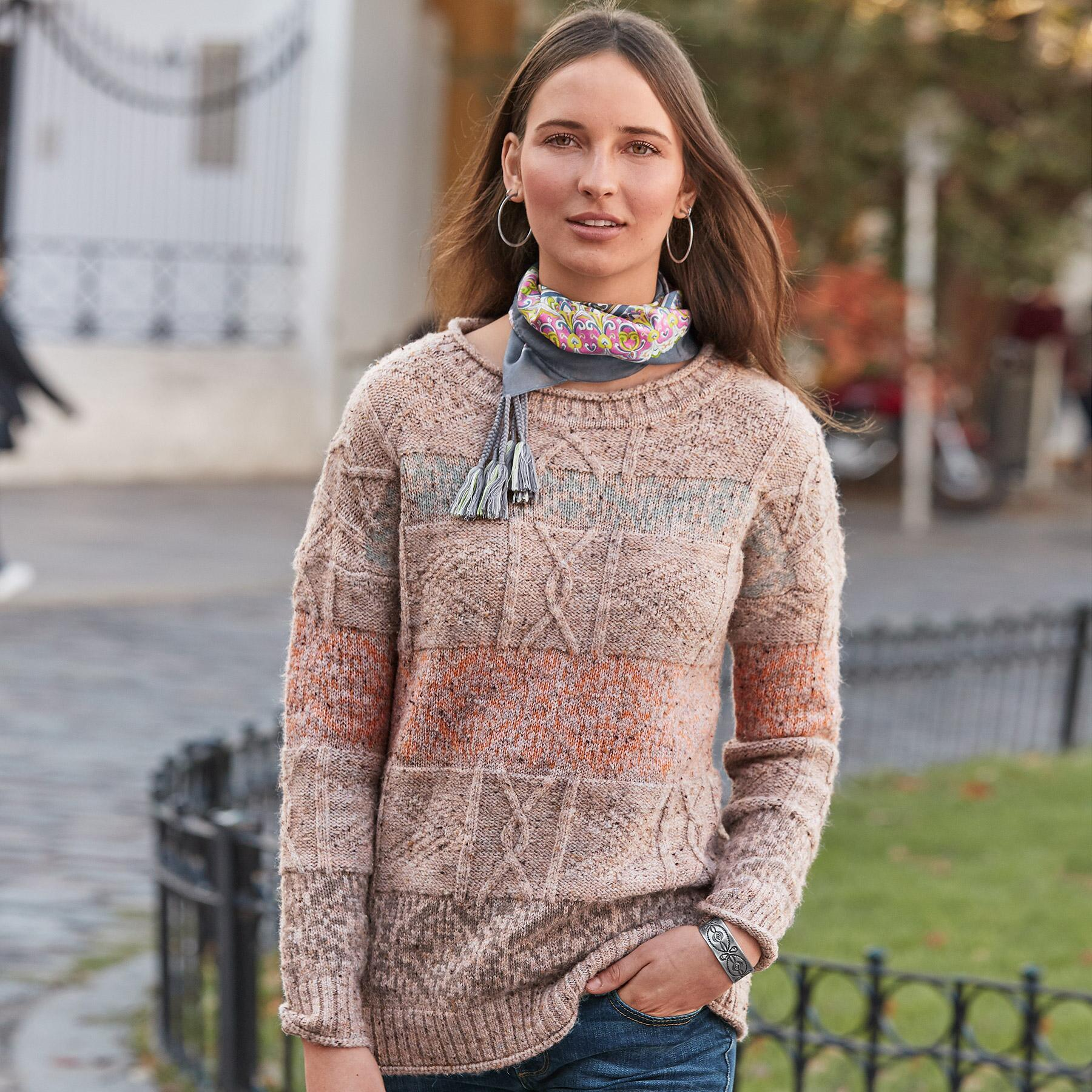 LYRA TRAVELS PULLOVER: View 2