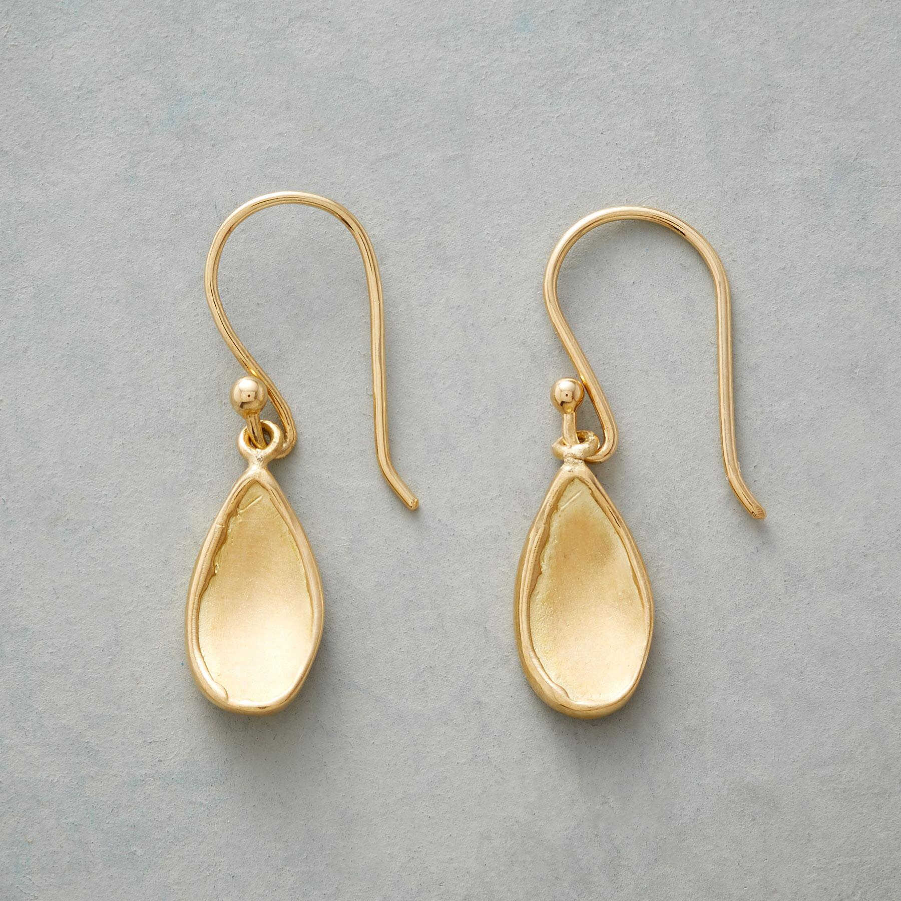 DROPS OF GOLD EARRINGS: View 1