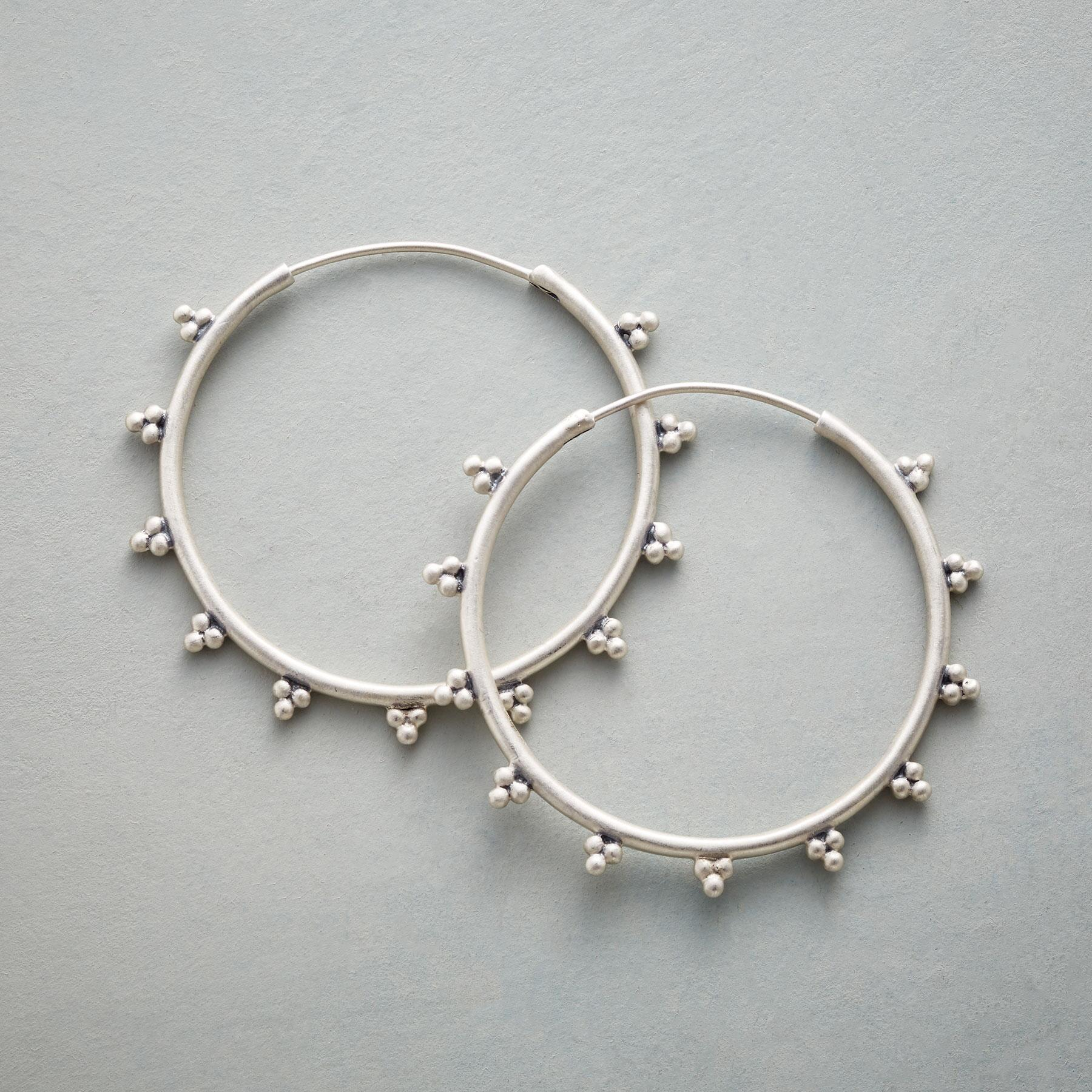 BEAD TRIO HOOPS: View 1