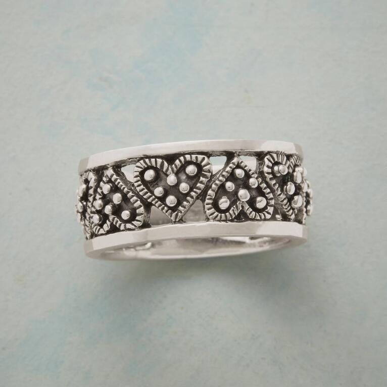 BY HEART BAND RING