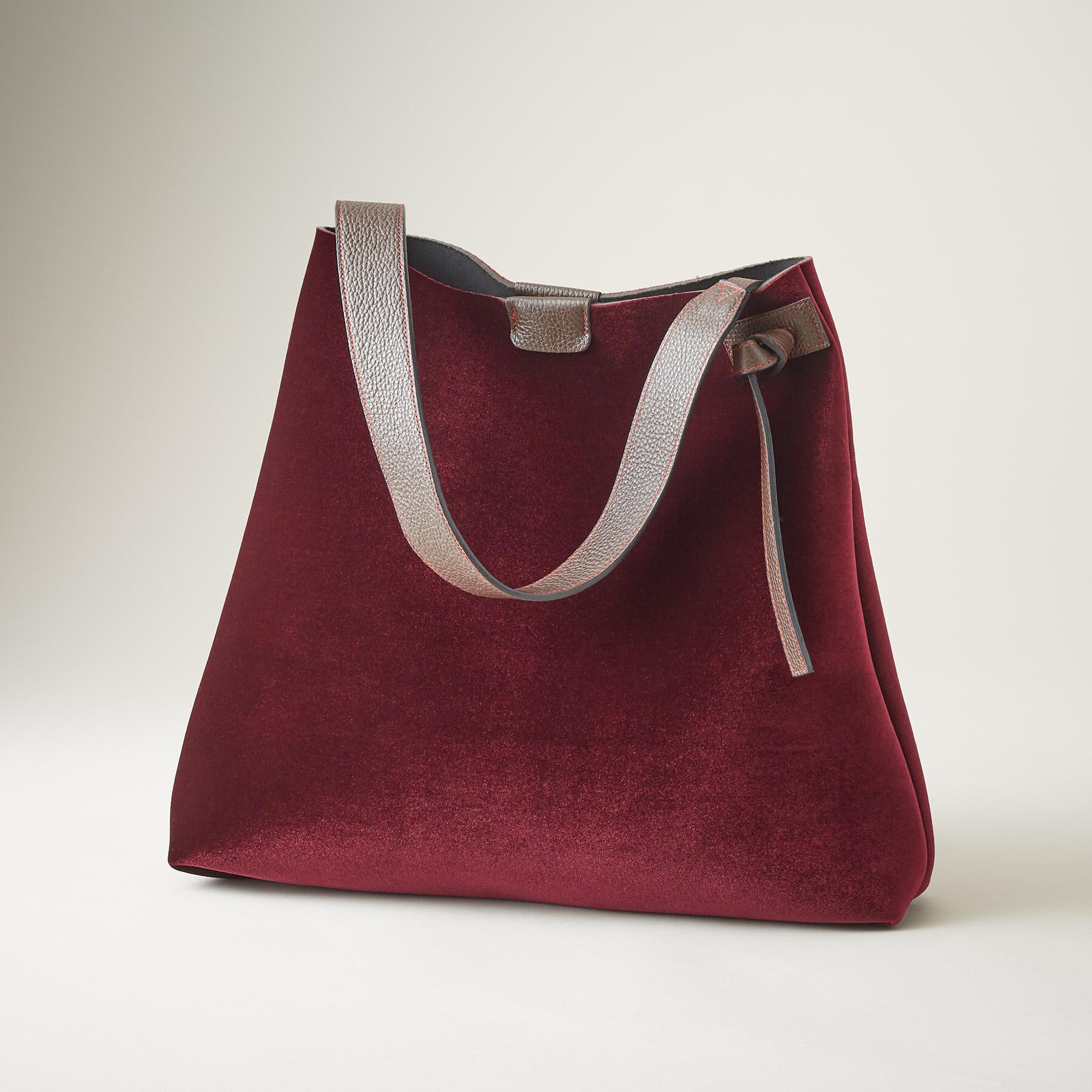 UNFORGETTABLE VELVET TOTE: View 1