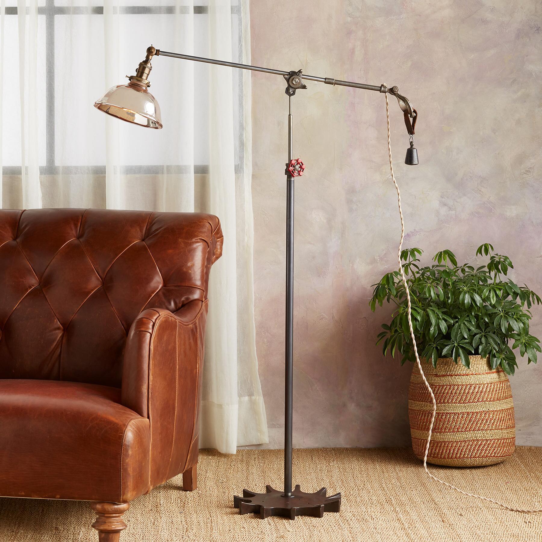 TWIN CREEK FLOOR LAMP: View 1