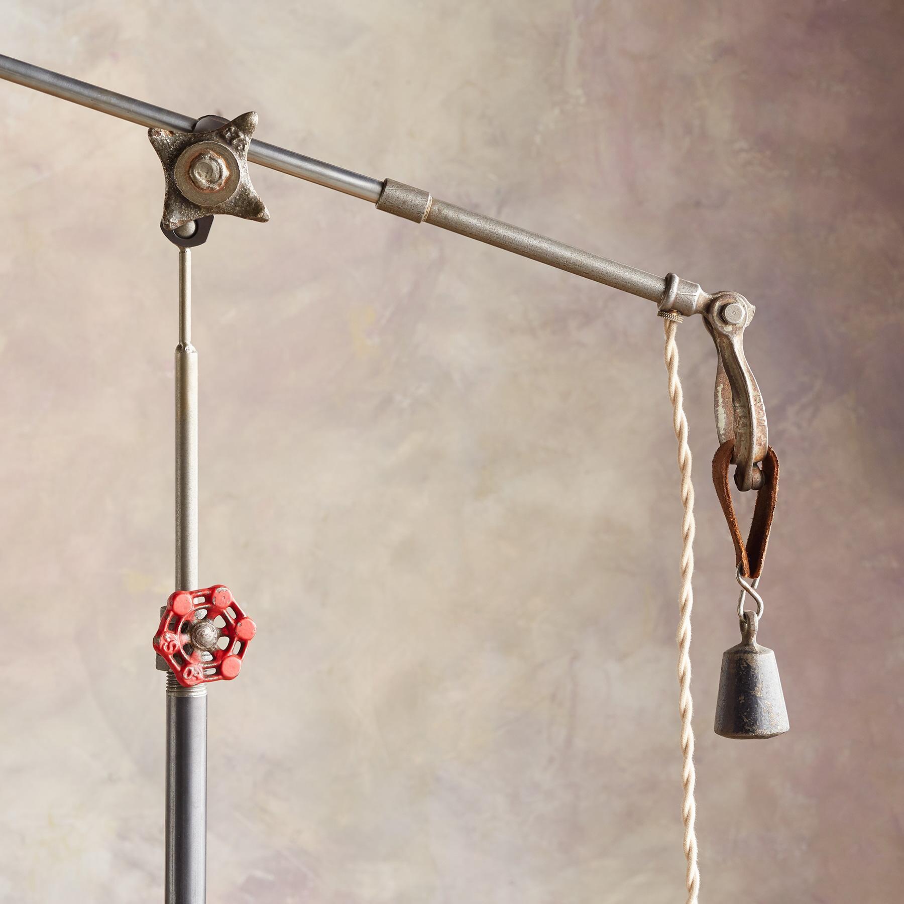 TWIN CREEK FLOOR LAMP: View 3