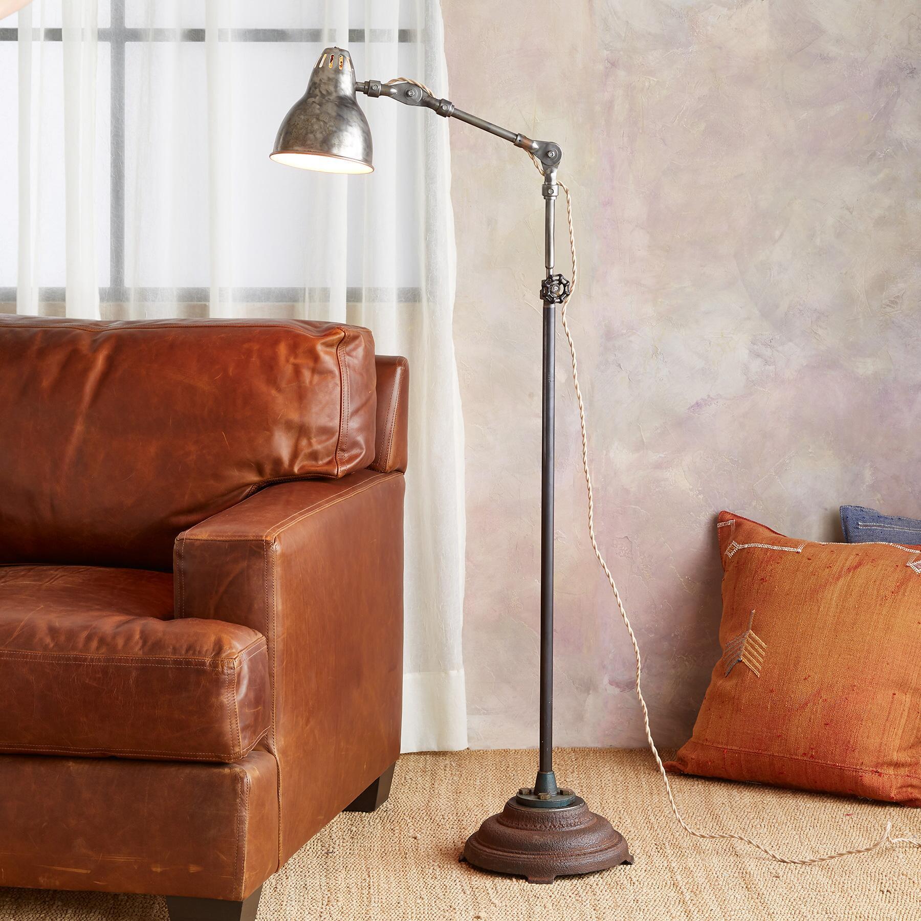 BULL CREEK FLOOR LAMP: View 1