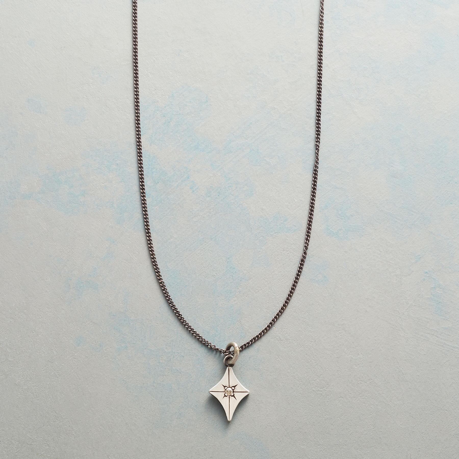 STAR SHINE NECKLACE: View 1