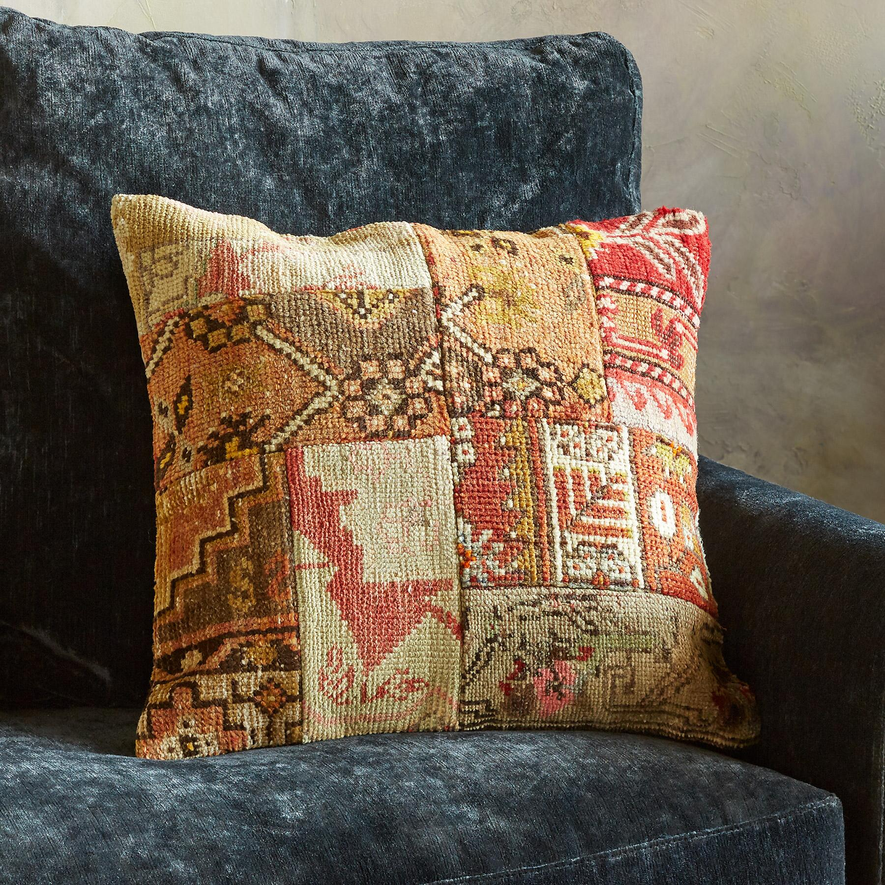 VINTAGE AMARNA PATCHWORK PILLOW: View 2