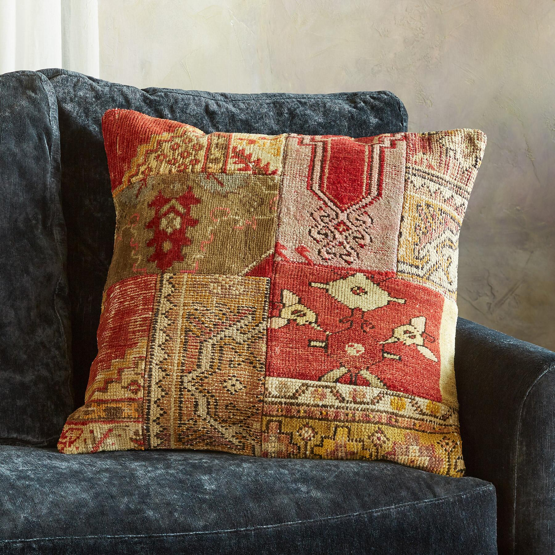 VINTAGE AMARNA PATCHWORK PILLOW: View 3