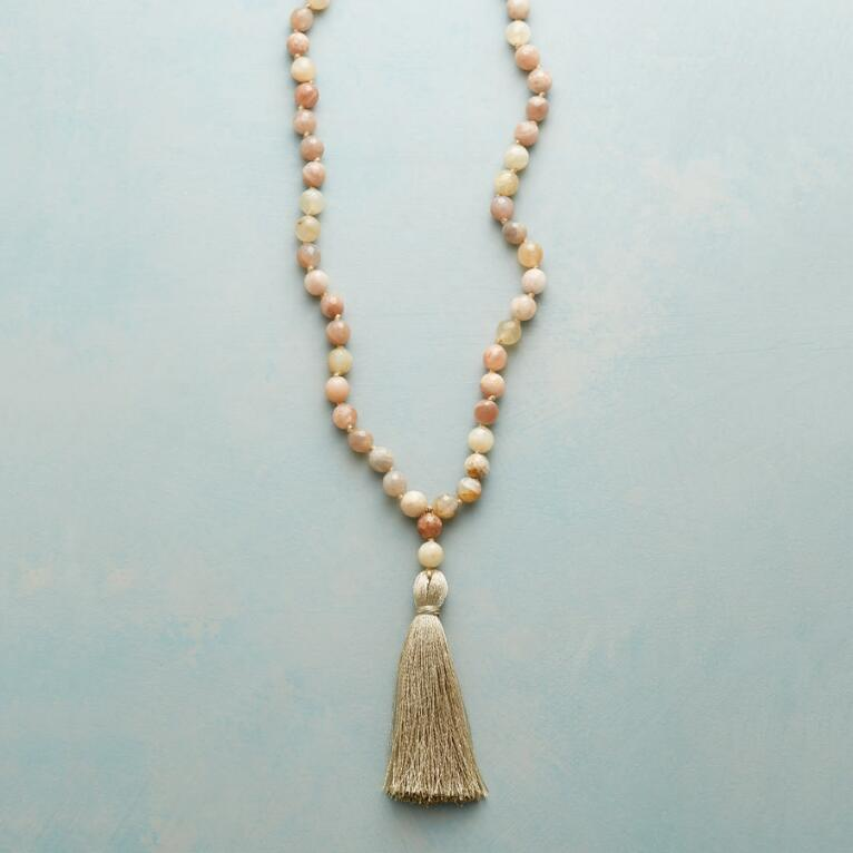 PEACHES AND SILK NECKLACE