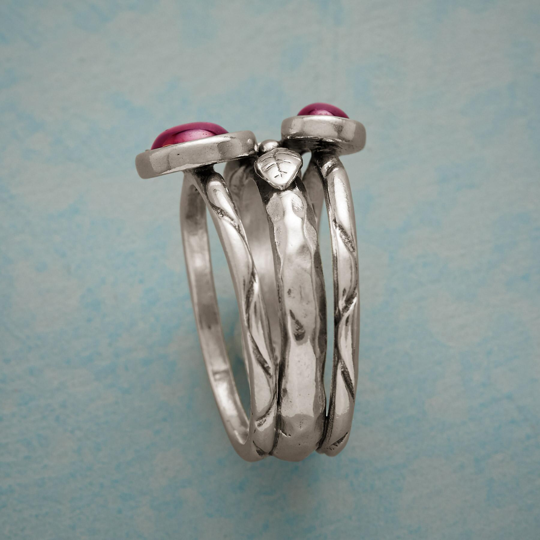 THREE ROSES RING: View 2
