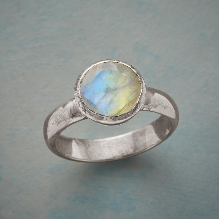 PURE WONDER RING