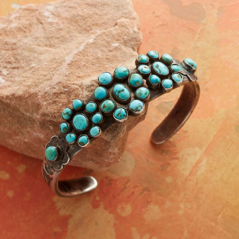 1940S TURQUOISE FLOWER CUFF