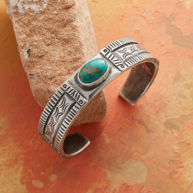 FINE LINES TURQUOISE CUFF