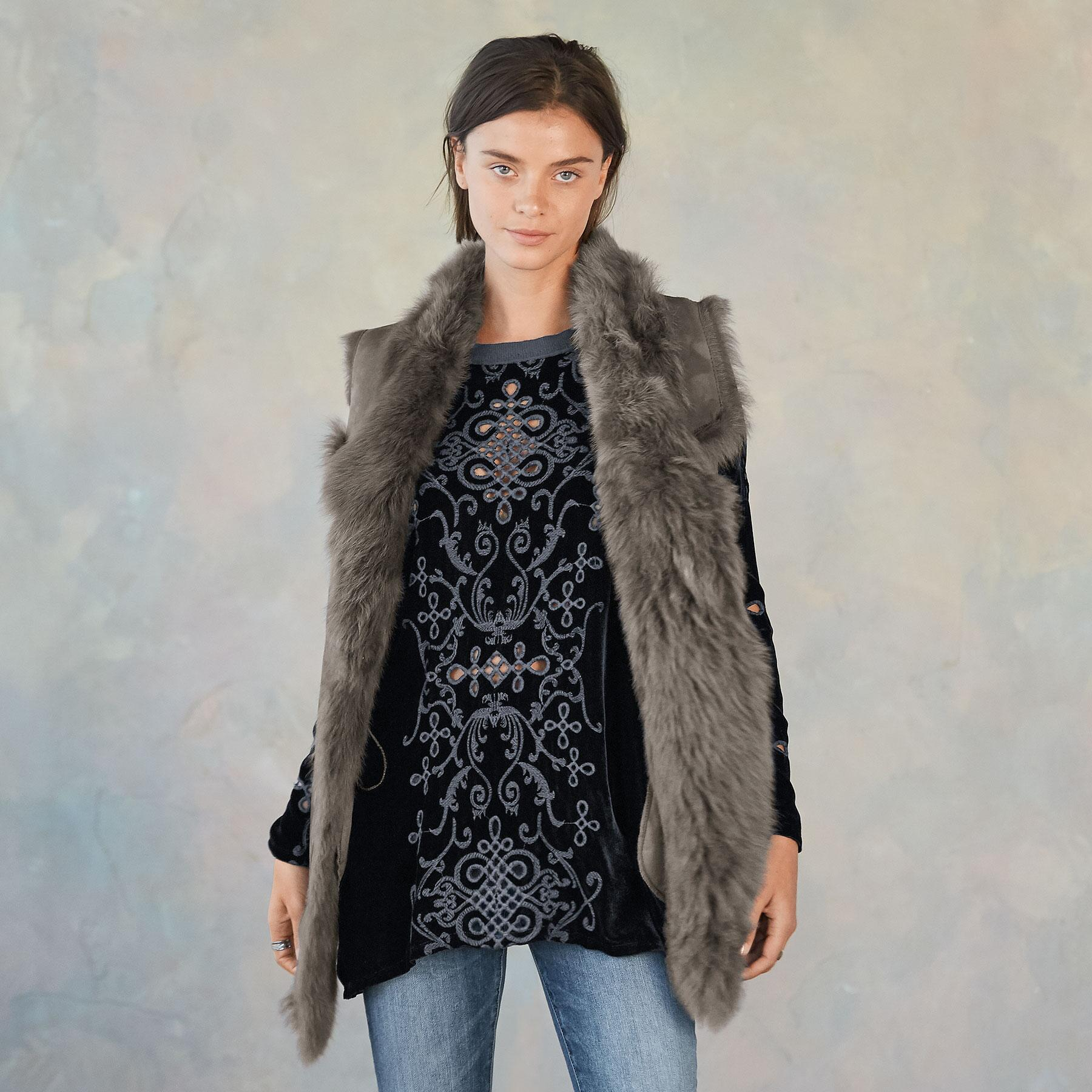 SIMONE SHEARLING VEST: View 2