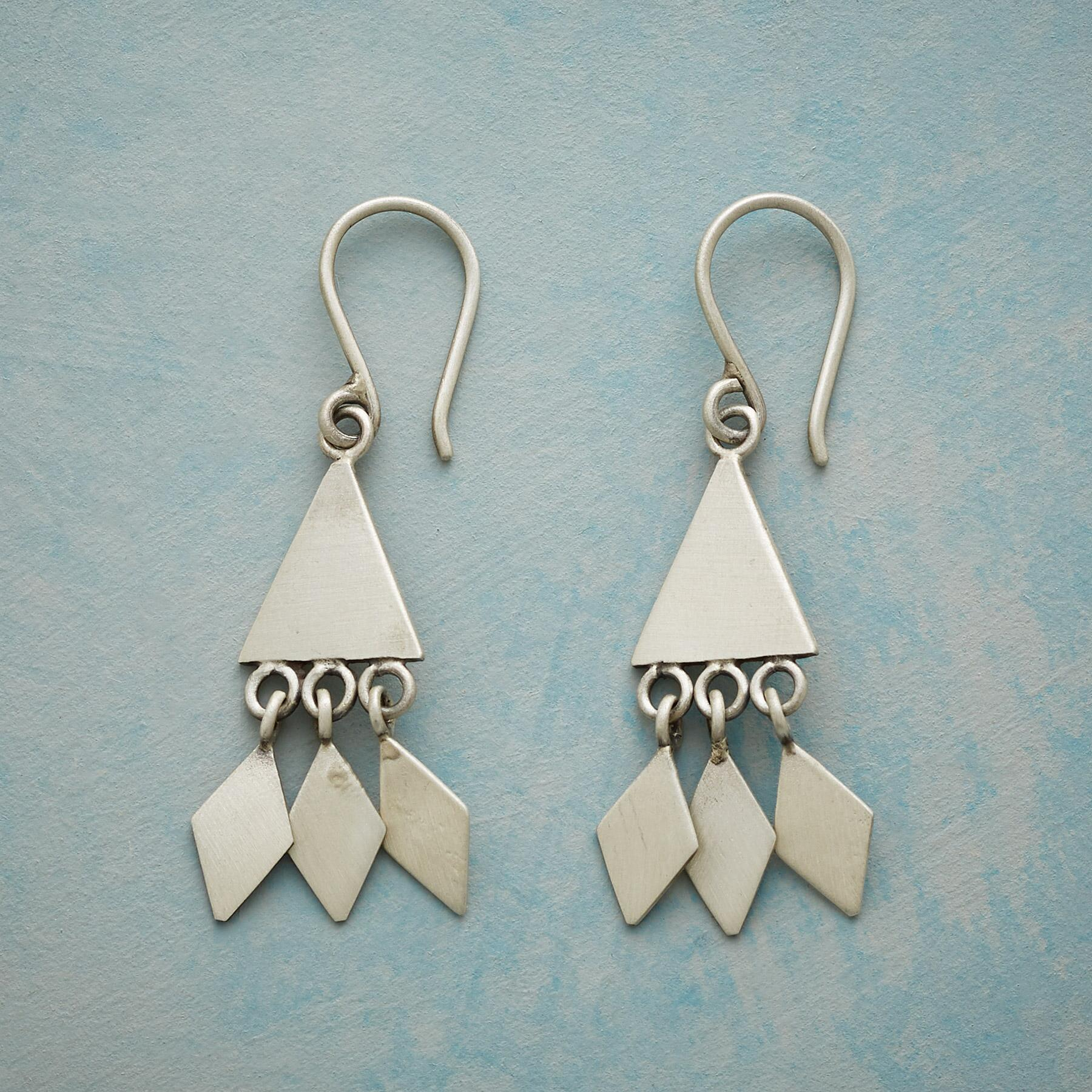 BREEZE EARRINGS: View 1