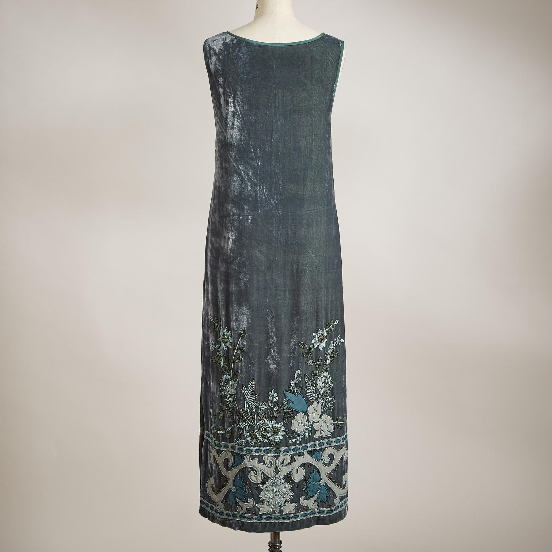 EVELYN VELVET DRESS - PETITES: View 2