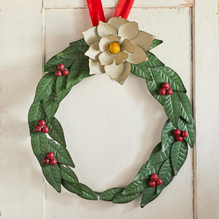 MAGNOLIA HOLLY BERRY WREATH